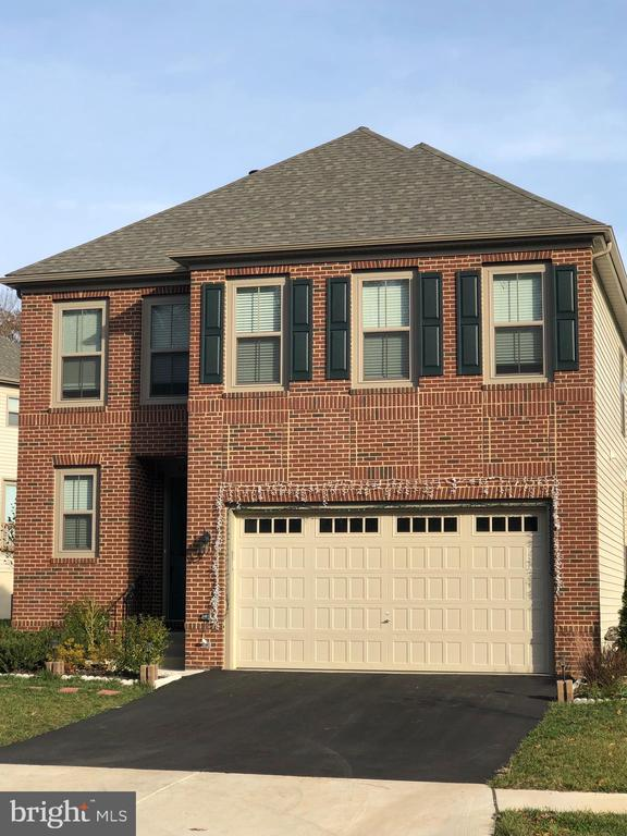 - 42416 ABNEY WOOD DR, CHANTILLY