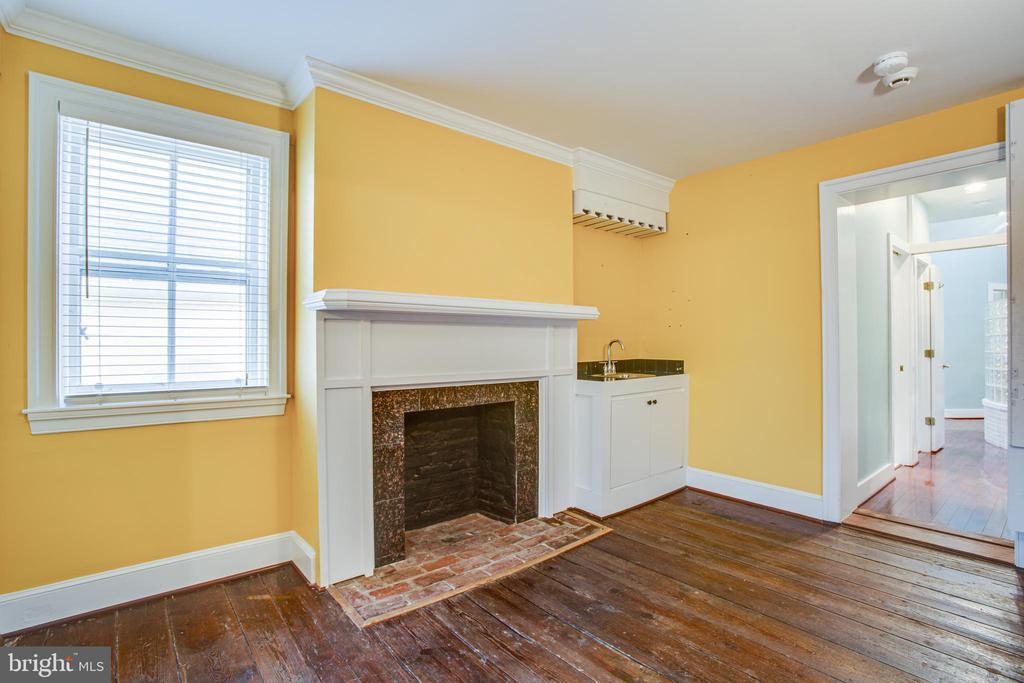 1113 2nd Floor Living Room Leads to Primary Suite - 1113 CAROLINE ST, FREDERICKSBURG