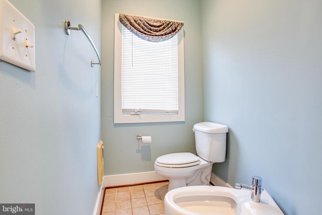1113 Primary Suite Bath 2 - 1113 CAROLINE ST, FREDERICKSBURG