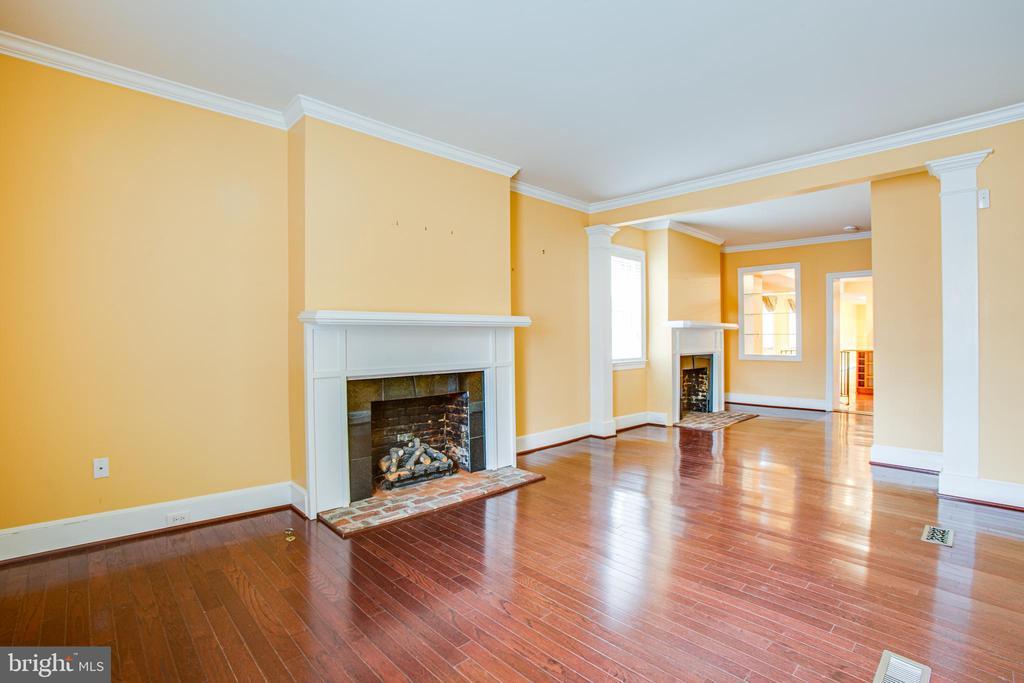 1113 Living Room - 1113 CAROLINE ST, FREDERICKSBURG