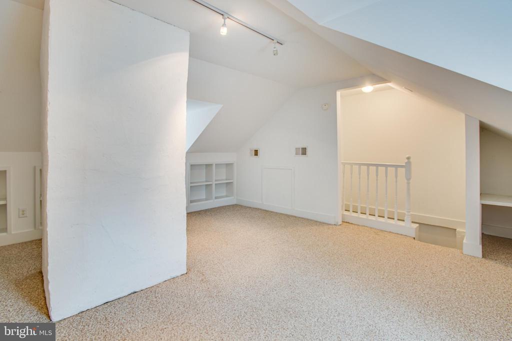 1111 3rd Floor Bedroom 2 - 1113 CAROLINE ST, FREDERICKSBURG