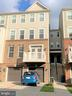 4 Level townhouse with garage in front - 43374 TOWN GATE SQ, CHANTILLY