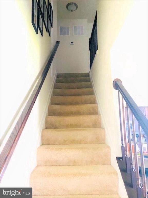 Staircase from  main level to upper level 1 - 43374 TOWN GATE SQ, CHANTILLY