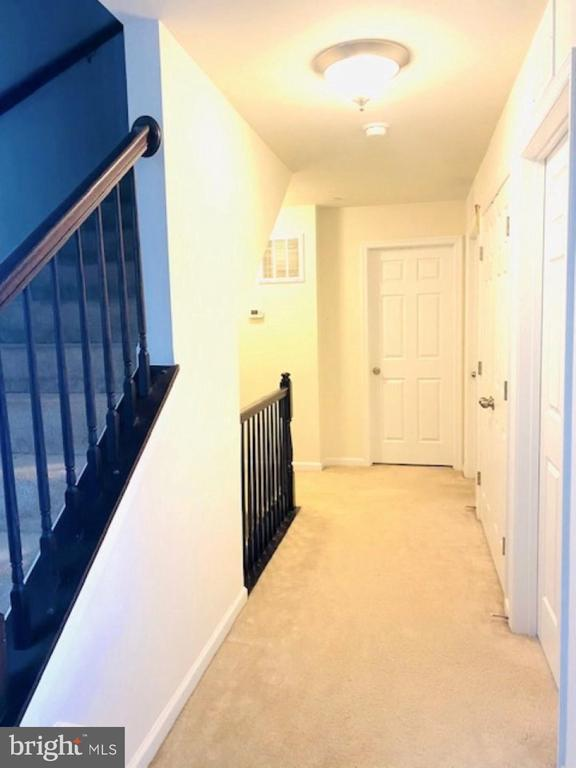 Hall and stairs to upper level 2 - 43374 TOWN GATE SQ, CHANTILLY