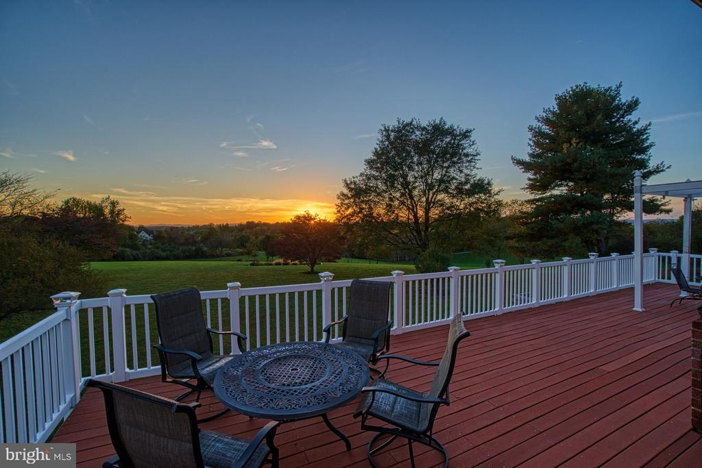Come on with these Sunsets!!! - 18914 SHELBURNE GLEBE RD, LEESBURG