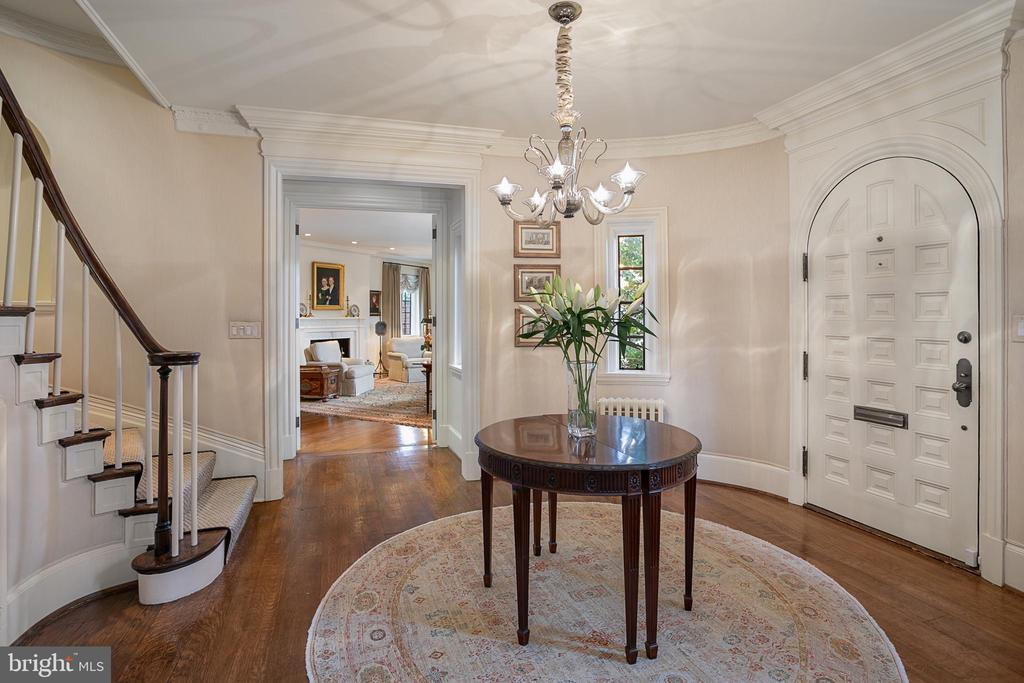 Entry Foyer - 2446 KALORAMA RD NW, WASHINGTON