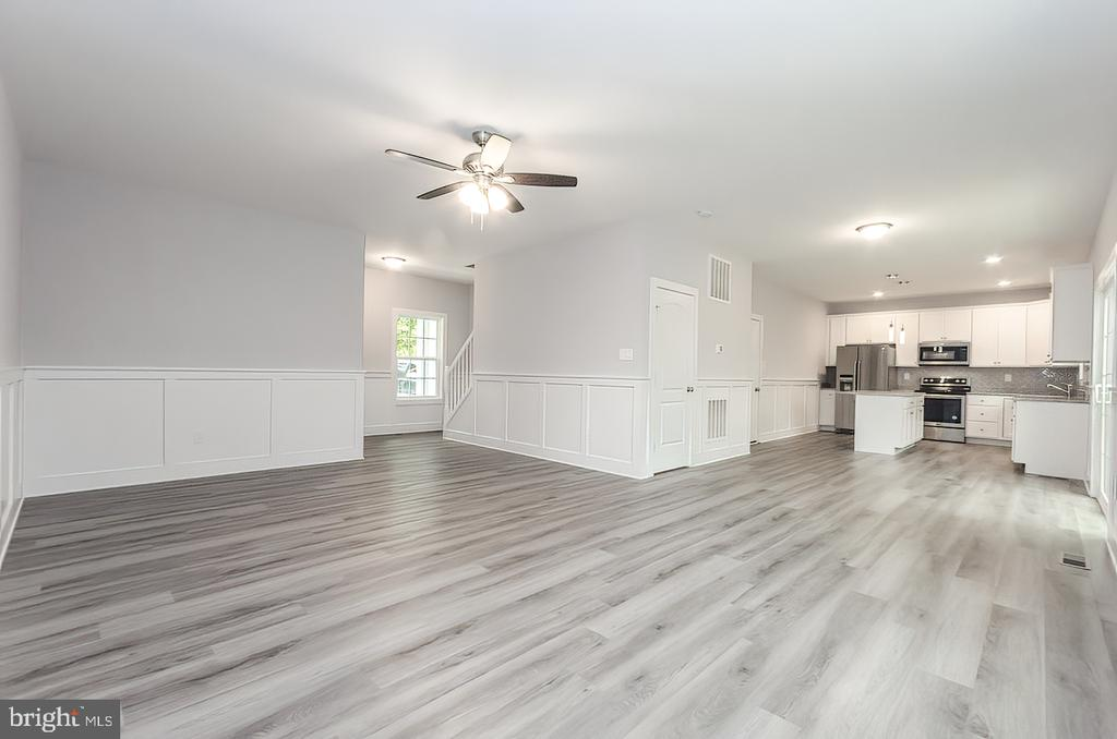 Living/dining/kitchen - 986 LOWER CLUBHOUSE DR, HARPERS FERRY