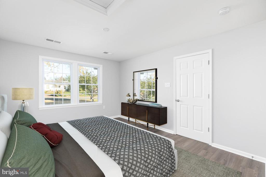 Master Bedroom Virtually Staged - 201 N FIR CT, STERLING