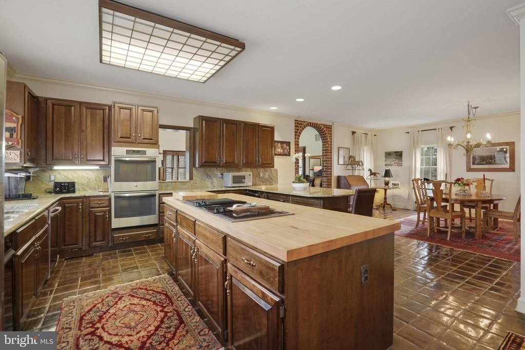 Kitchen - 9621 GEORGETOWN PIKE, GREAT FALLS
