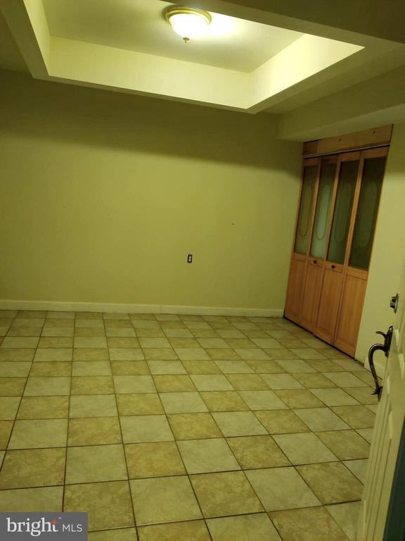 6th bedroom in basement - 1516 FEATHERSTONE RD, WOODBRIDGE