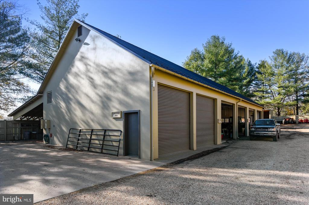 equipment shed - 22956 CARTERS FARM LN, MIDDLEBURG