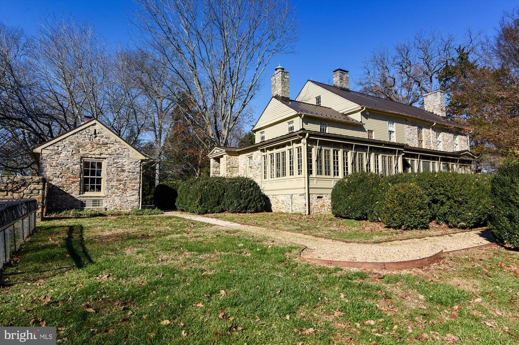 Main house back - 22956 CARTERS FARM LN, MIDDLEBURG
