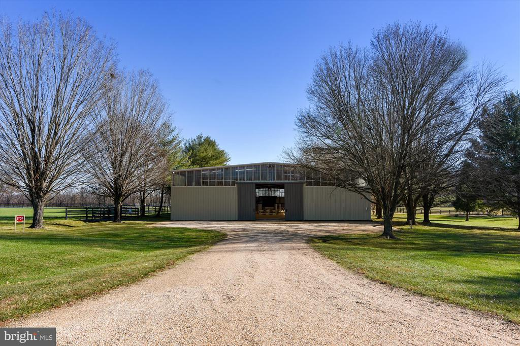 indoor arena - 22956 CARTERS FARM LN, MIDDLEBURG