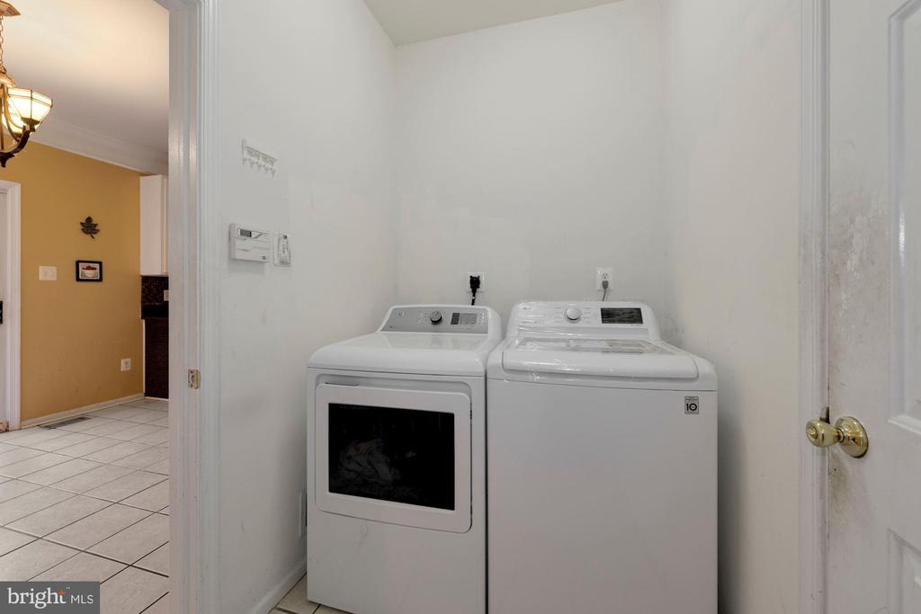 LG washer &Dryer - 12529 STRATFORD GARDEN DR, SILVER SPRING