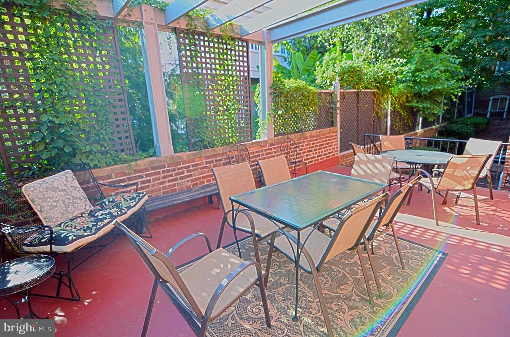 Outside upper deck as previously furnished - 330 A ST SE, WASHINGTON