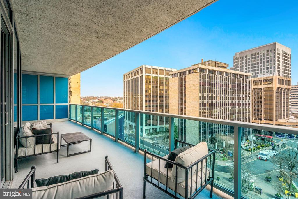 Expansive Balcony - 1881 N NASH ST #509, ARLINGTON