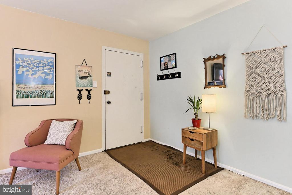 Foyer - 403 N BEAUREGARD ST #304, ALEXANDRIA