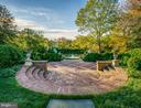 Enjoy quiet moments throughout the estate - 7979 E BOULEVARD DR, ALEXANDRIA