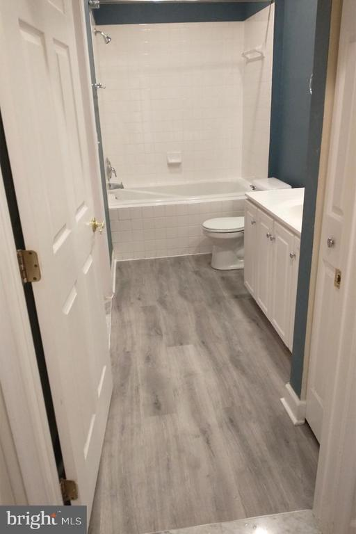 NEW luxury bathroom flooring - 2310 14TH ST N #205, ARLINGTON