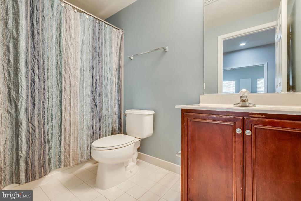 Full Bathroom Lower Level - 20087 NORTHVILLE HILLS TER, ASHBURN