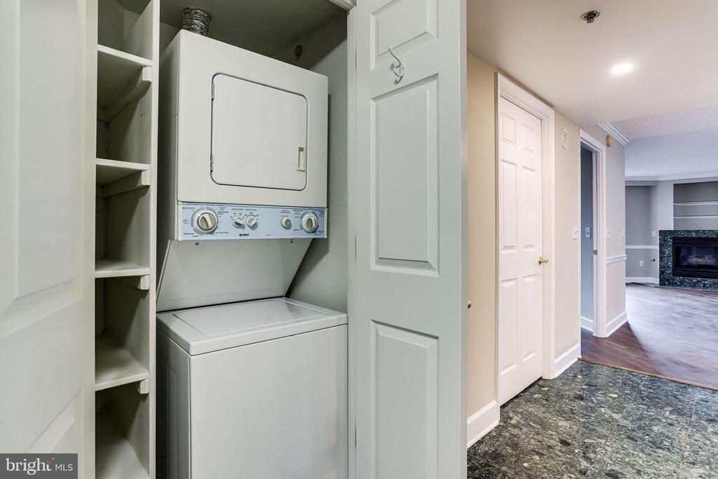 In-Unit Washer/Dryer - 1276 N WAYNE ST #320, ARLINGTON