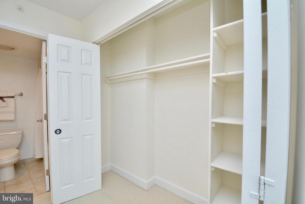 closets! - 3401 38TH ST NW #705, WASHINGTON