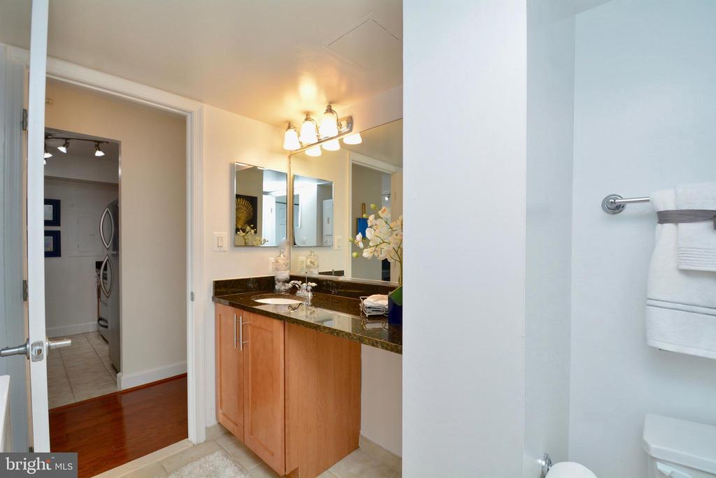 Bathroom with full tub and Linen closet - 3401 38TH ST NW #705, WASHINGTON