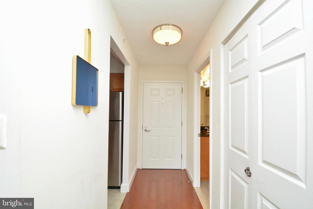 Looking towards the entrance - 3401 38TH ST NW #705, WASHINGTON
