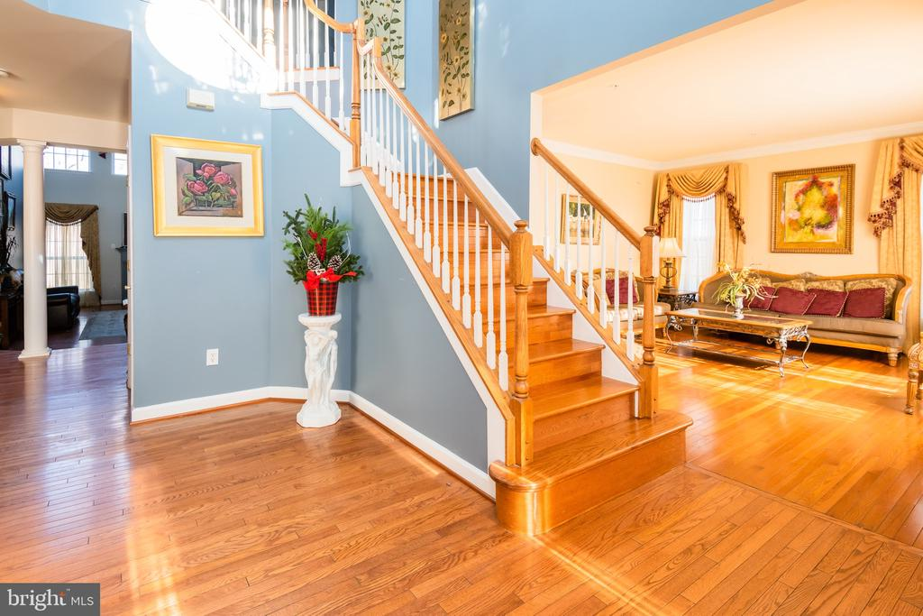 Front stairway - 14215 PUNCH ST, SILVER SPRING