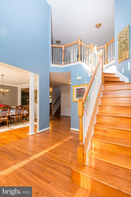 Two story foyer - 14215 PUNCH ST, SILVER SPRING