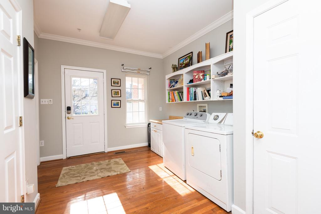 Mud room entrance - 14215 PUNCH ST, SILVER SPRING