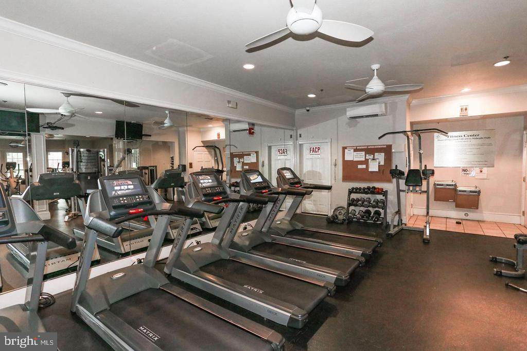 Gates of Mclean Exercise Room - 1581 SPRING GATE DR #5404, MCLEAN