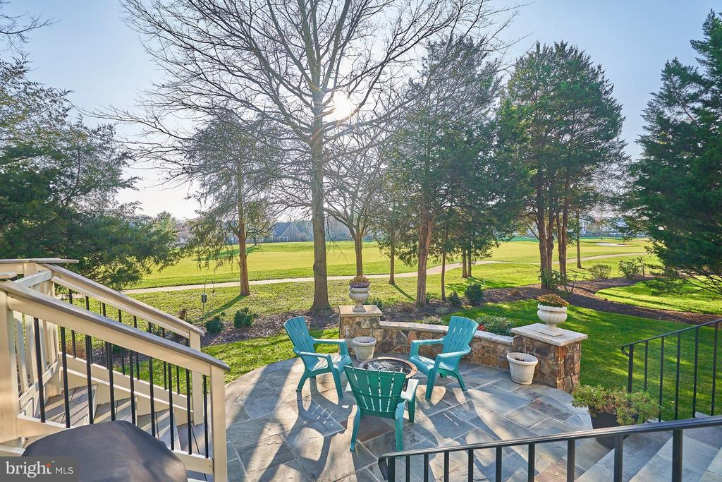 Perfect Space for Family and Friends - 43499 BUTLER PL, LEESBURG