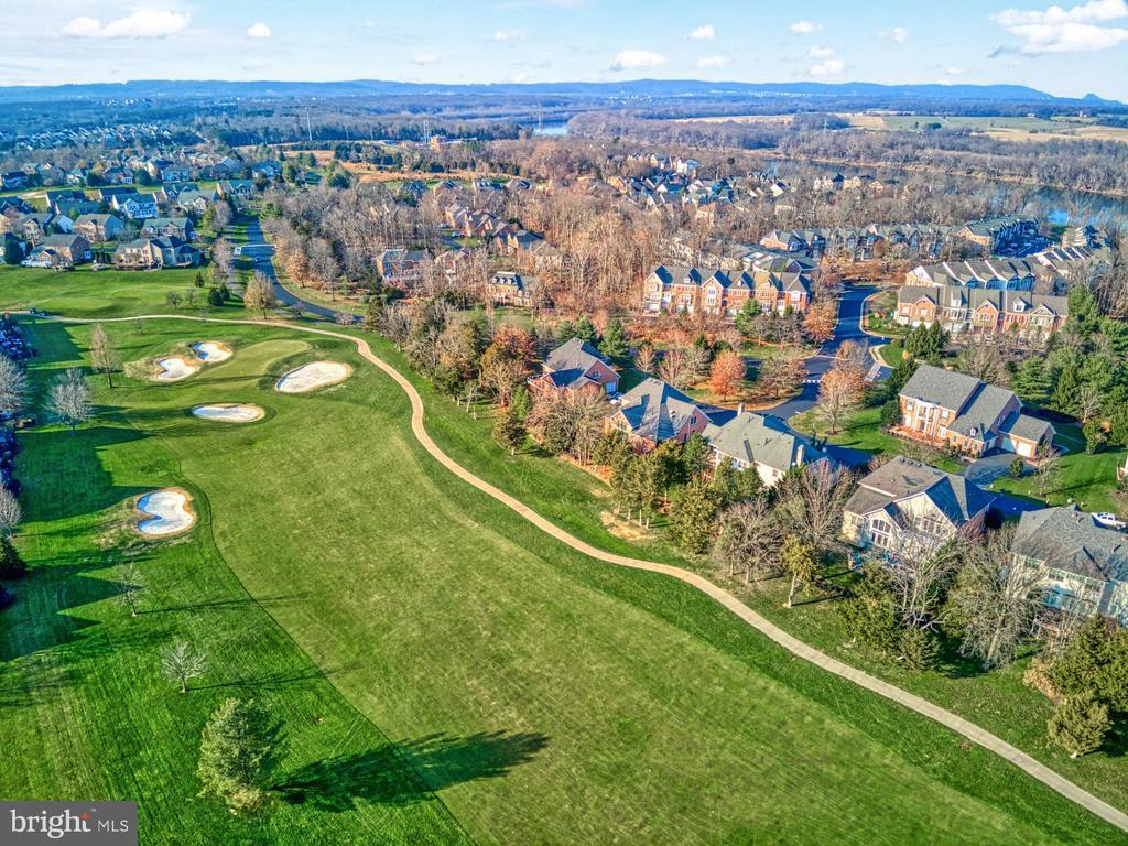 Gorgeous Golf Course Community - 43499 BUTLER PL, LEESBURG