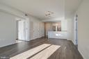 Living Area / overview 1 - 1021 N GARFIELD ST #828, ARLINGTON