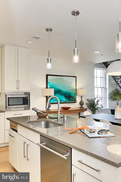 Kitchen - 1700 CLARENDON BLVD #158, ARLINGTON