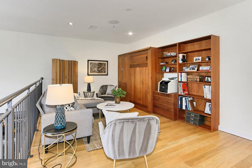 Family room - 1700 CLARENDON BLVD #158, ARLINGTON