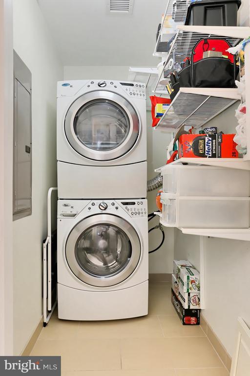 Laundry room - 1700 CLARENDON BLVD #158, ARLINGTON