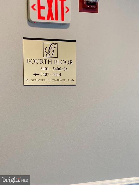4th Floor - 1581 SPRING GATE DR #5404, MCLEAN