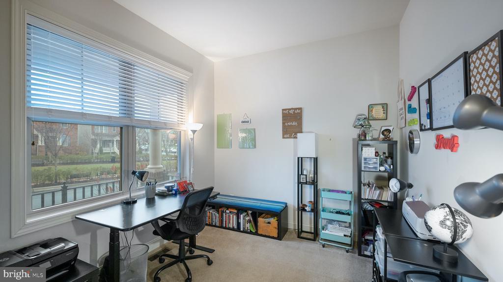 Office - 13805 TRIBUTE PKWY, CLARKSBURG