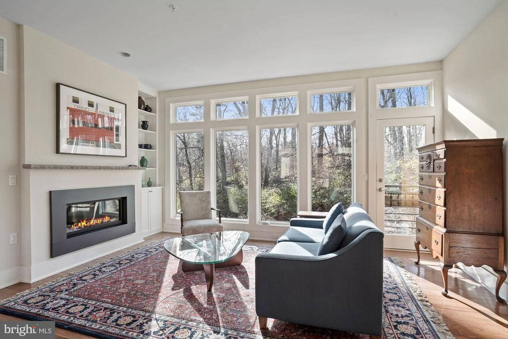 Living Area with Gas Fireplace - 5204 WILLET BRIDGE CT, BETHESDA