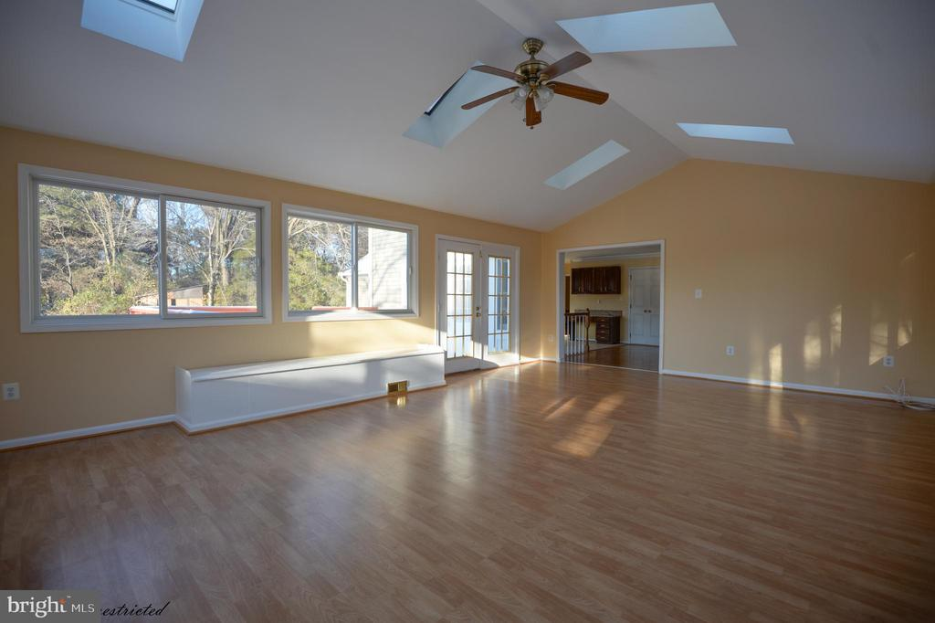 Sun Room Extension with Hardwood - 1118 SUGAR MAPLE LN, HERNDON
