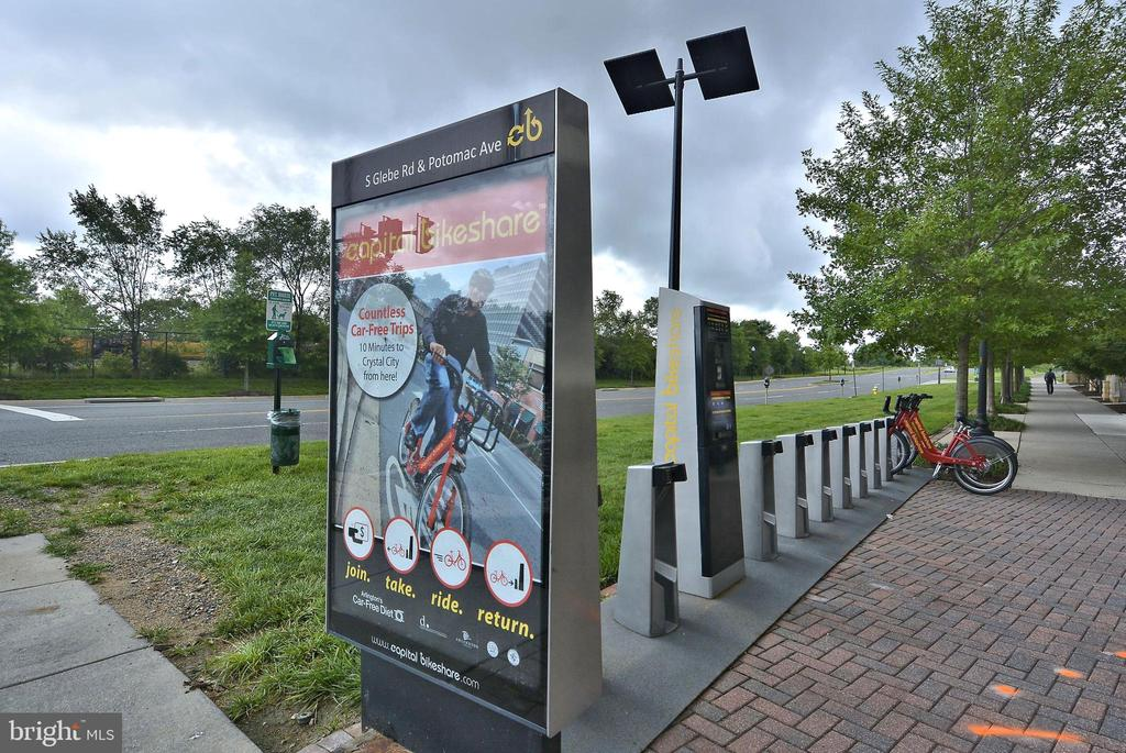 Community - Bike Share - 3650 S GLEBE RD #464, ARLINGTON
