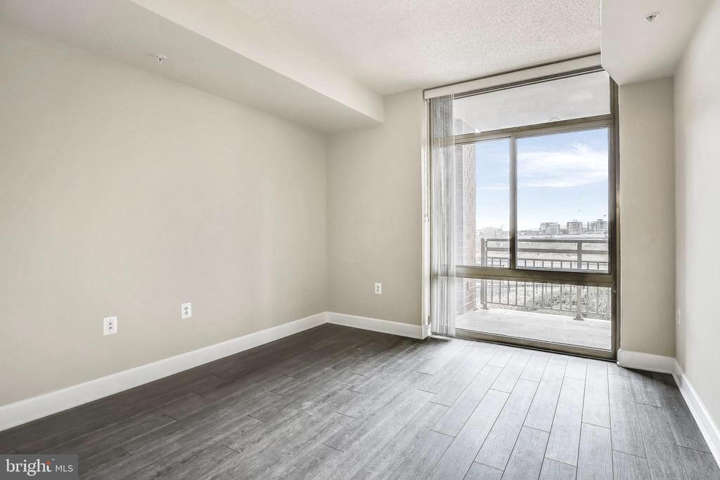 Sun-filled Primary Bedroom - 3650 S GLEBE RD #464, ARLINGTON