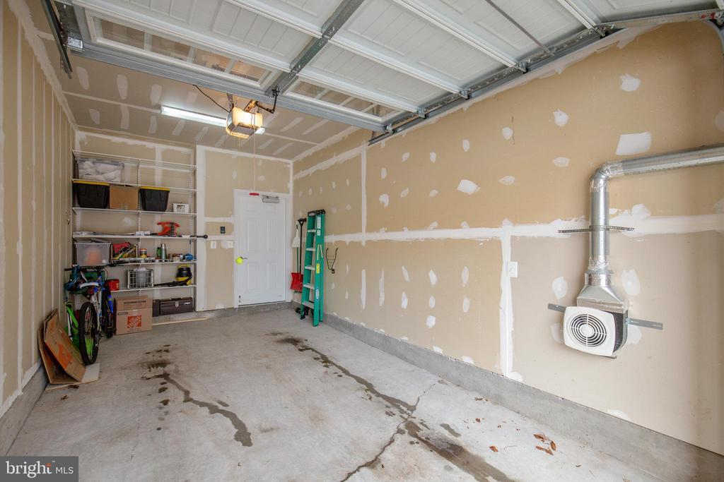 1 Car Garage with Storage Shelves - 43144 SUNDERLAND TER #300, ASHBURN