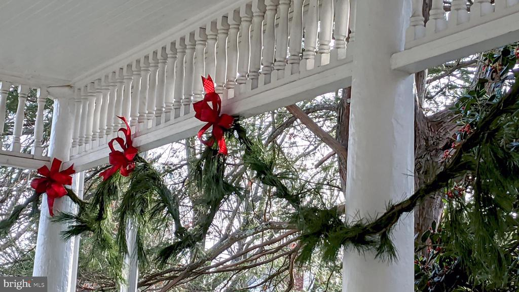 festive garlands and bows - 4343 39TH ST NW, WASHINGTON