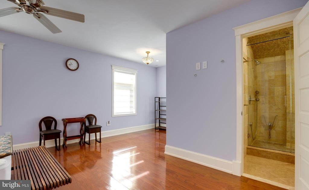 2ND BEDROOM - 2336 ADDISON ST, VIENNA
