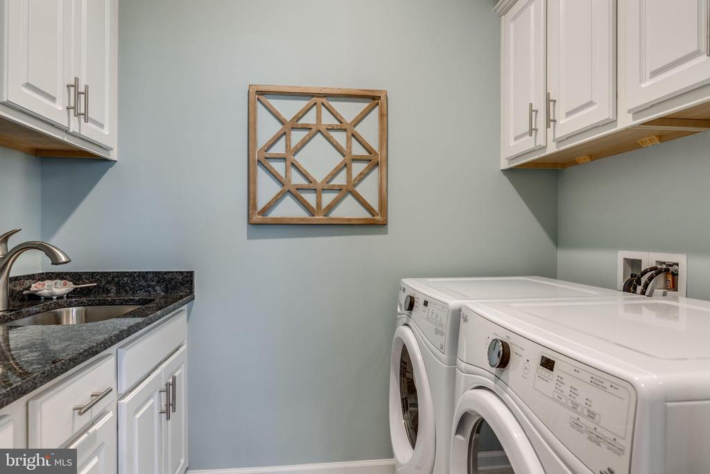 Convenient, spacious laundry room - 44521 FIERY SKIPPER TER, ASHBURN