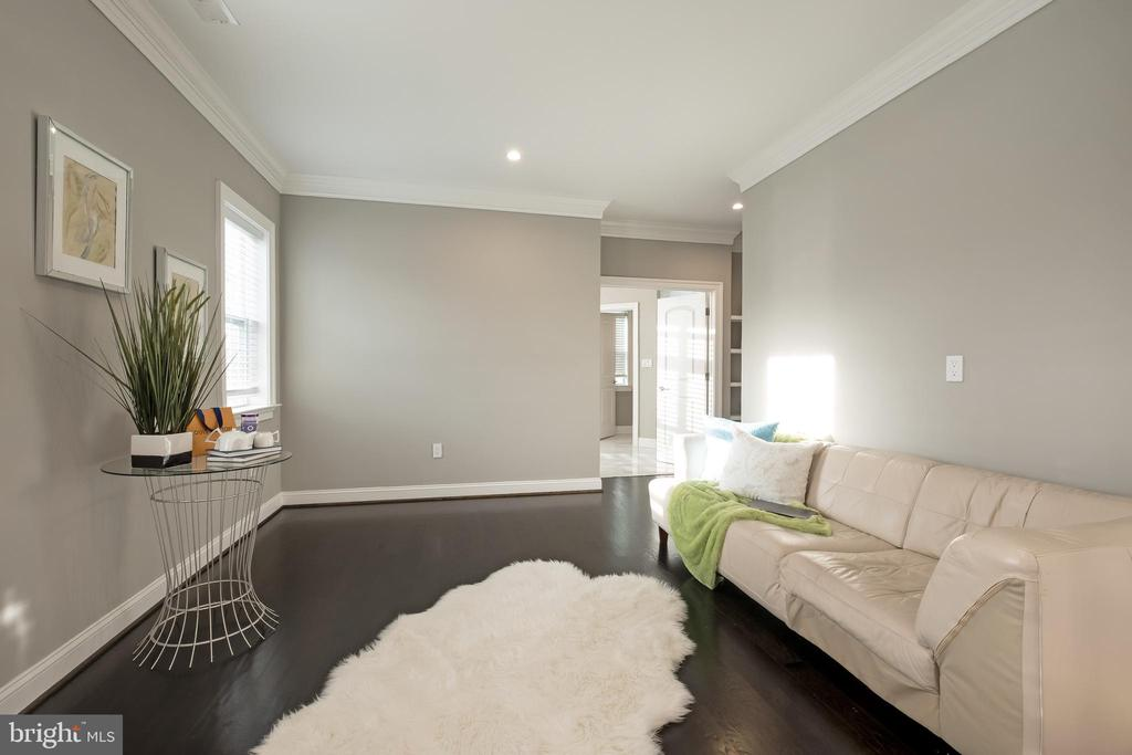 Quiet and Peaceful =Perfect for Morning Tea/Coffee - 10713 ROSEHAVEN ST, FAIRFAX