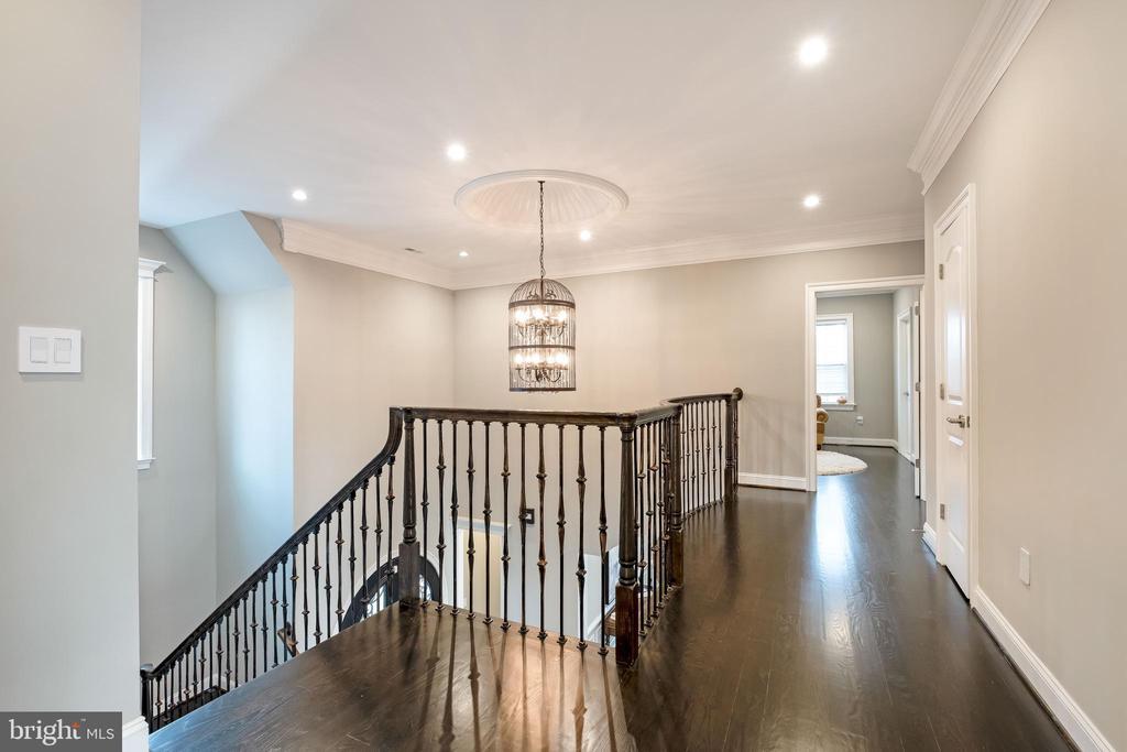 Enjoy the Upper Foyer w/ Sparkling Hardwood Flrs. - 10713 ROSEHAVEN ST, FAIRFAX